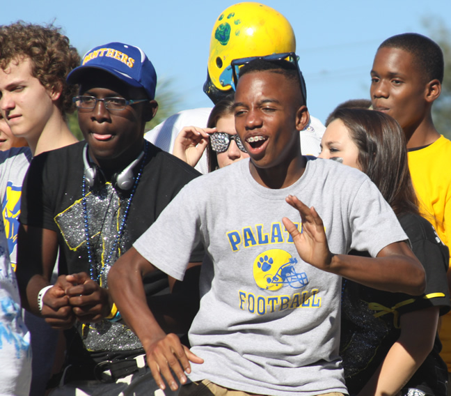 High School Homecoming Parade Floats http://pcsdpd.typepad.com/news/2011/10/page/2/